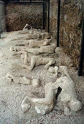 170px-Pompeii_Garden_of_the_Fugitives_02