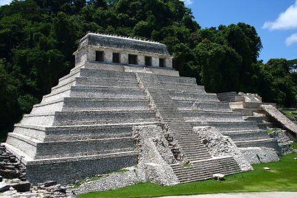 800px-Palenque_temple_1