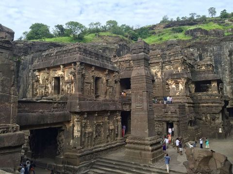 kailasa_temple_overview_ellora