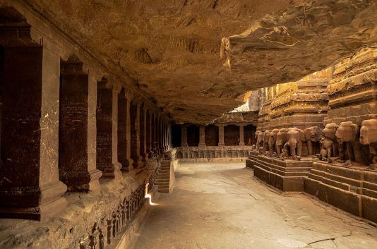 the_kailasa_temple_cave_16