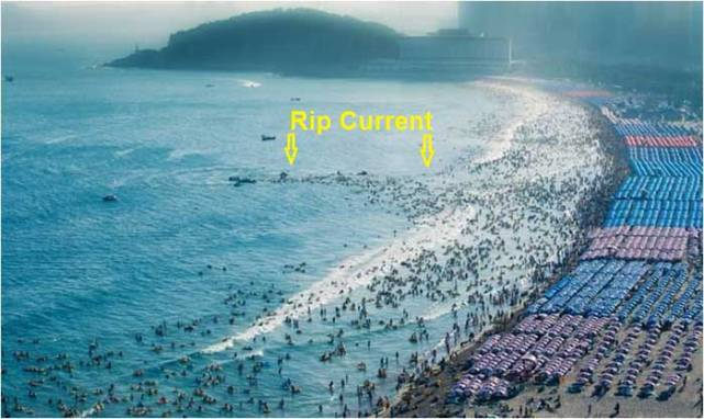 rip-current-haeundae-beach-700